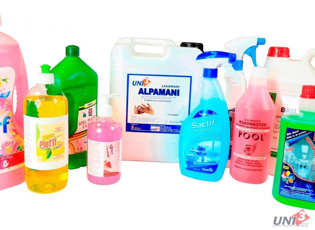 Immagine che mostra la categoria di prodotti detergenti. Detergenti per l'igiene personale e la pulizia industriale di pavimenti, bagni, automobili, ecc.. Uni3 servizi, fornitori di detergenti, imballaggio, antinfortunistica, abbigliamento professionale e articoli in carta.